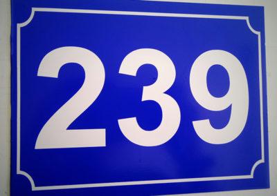 Νούμερο οδού με αλουμίνιο